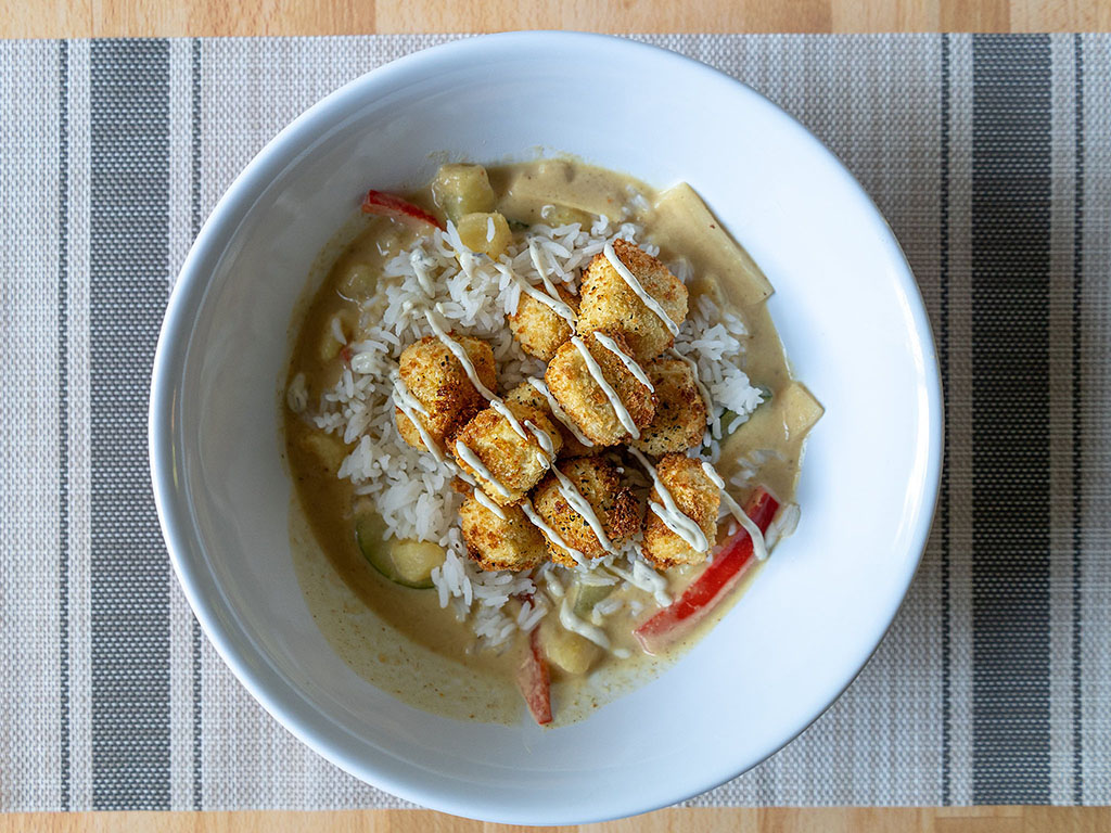 Thai yellow curry with panko tofu