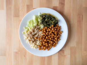 Lebanese Cous Cous with Chickpeas